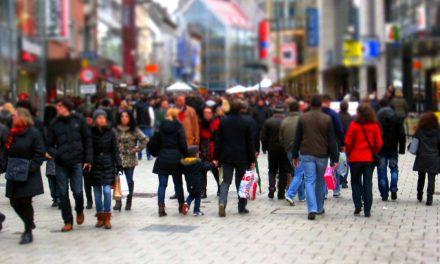 44% wollen weniger Parkplätze und mehr Raum für Fußgänger und Radfahrer in Städten