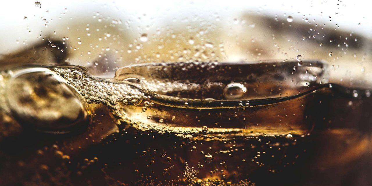 """OmniQuest-Studie """"FastInsights Softdrinks"""" – Zucker in Cola & Co.: Besonders von Vieltrinkern unterschätzt"""