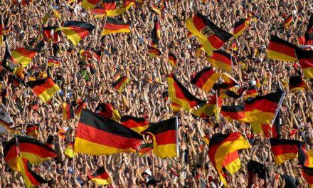 45% würden Regierungsmitglieder zur Fußball-WM nach Russland reisen lassen