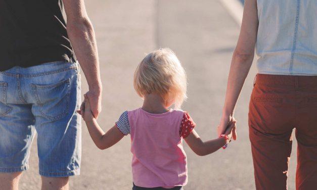 70% befürworten Adoption von Kindern in stabilen nichtehelichen Beziehungen