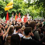 35% fordern generelle Beschränkung der Versammlungsfreiheit bei rechten Demos