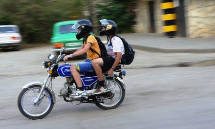 51% lehnen Moped-Führerschein ab 15 Jahren ab