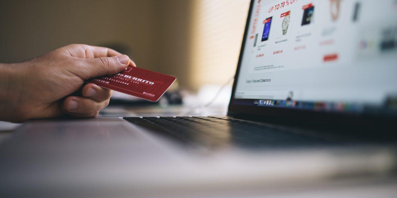 56% geben beim Black Friday-Shopping genauso viel Geld aus wie sonst auch