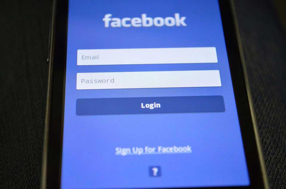 55% sind gegen Behördenzugriff auf Passwörter von Onlinediensten