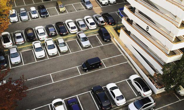 50% lehnen einkommensabhängige Preise für Bewohnerparkausweise ab