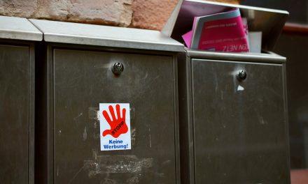 """59% befürworten Beibehaltung von """"Bitte keine Werbung""""-Aufklebern an Briefkästen"""