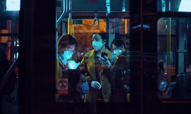 54% lehnen Redeverbot in Bussen und Bahnen während Corona-Pandemie ab