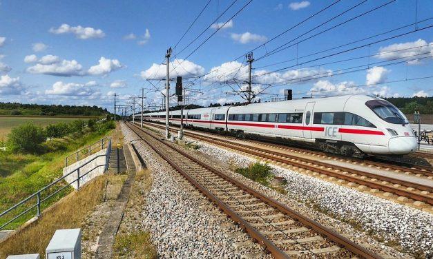 52% lehnen vollständige Privatisierung des deutschen Schienenverkehrs ab