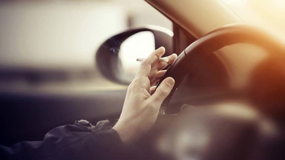 83% wollen Rauchverbot in Autos bei Fahrten mit Kindern