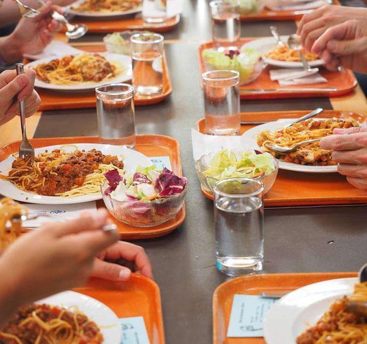 86% wollen verpflichtende Qualitätsstandards für Essen in Schulen